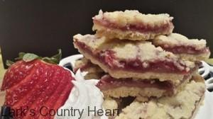 Strawberry Shortbread bars